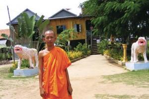 panneau solaire cambodge moine 300x199 photo